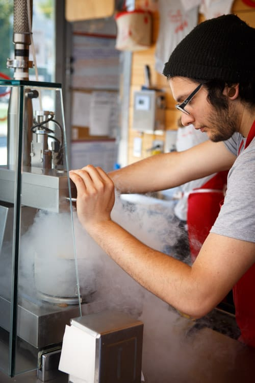 using liquid nitrogen to make ice cream