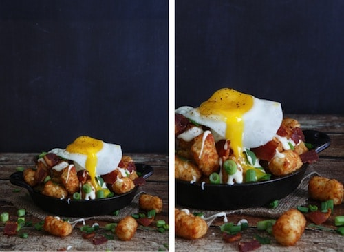 bacon, egg, and cheese breakfast totchos (tater tot nachos)