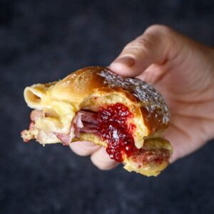 Baked Monte Cristo Slider Sandwiches perfect for brunch easy entertaining | sharedappetite.com
