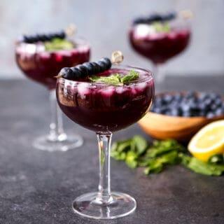 Sparkling Blueberry Lemonade Mojitos | sharedappetite.com