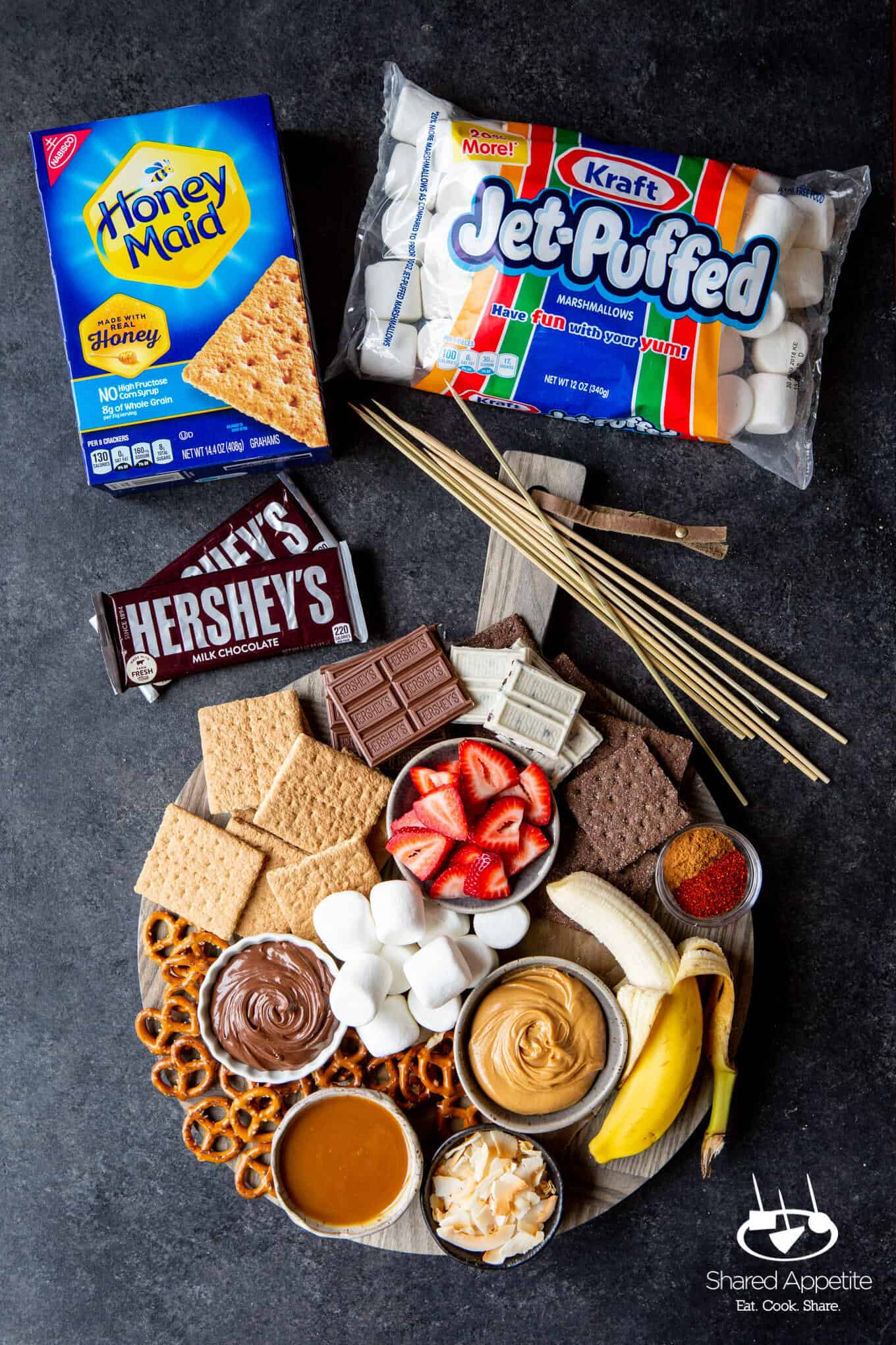 The full board for DIY S'MORES BAR PARTY | sharedappetite.com