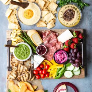 How To Build A Summer Charcuterie Board