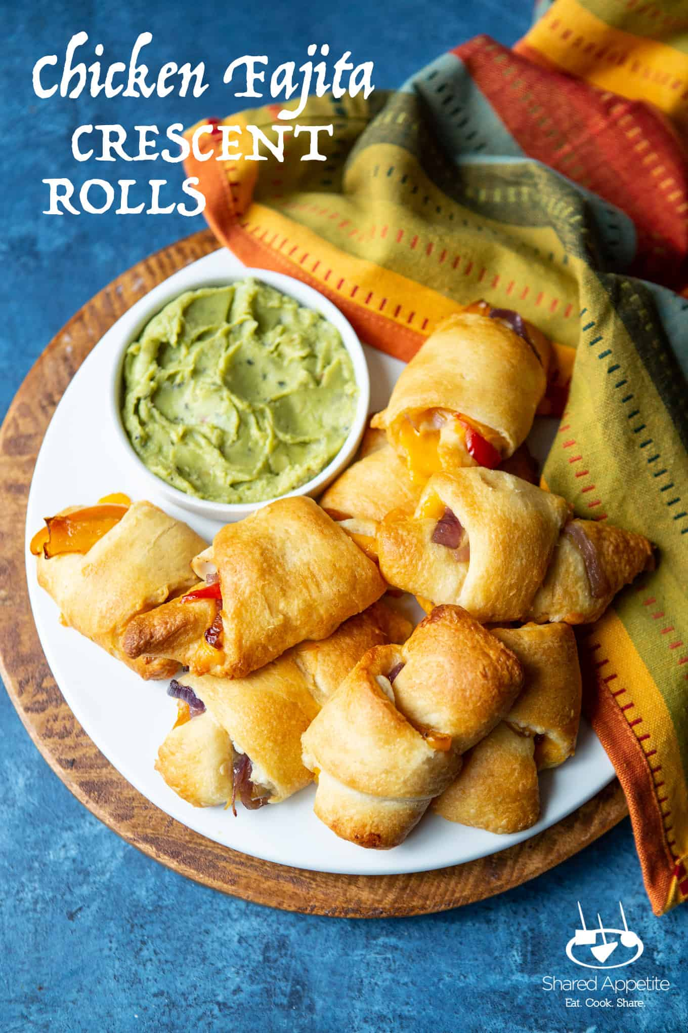 Chicken Fajita Crescent Rolls | sharedappetite.com